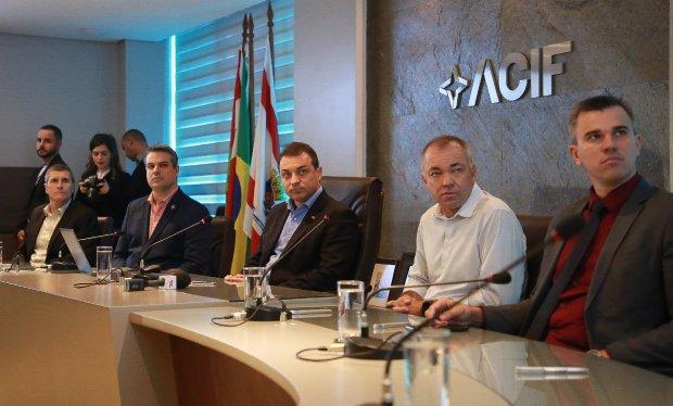 Governador anuncia recuperação da SC 401 na sede da ACIF