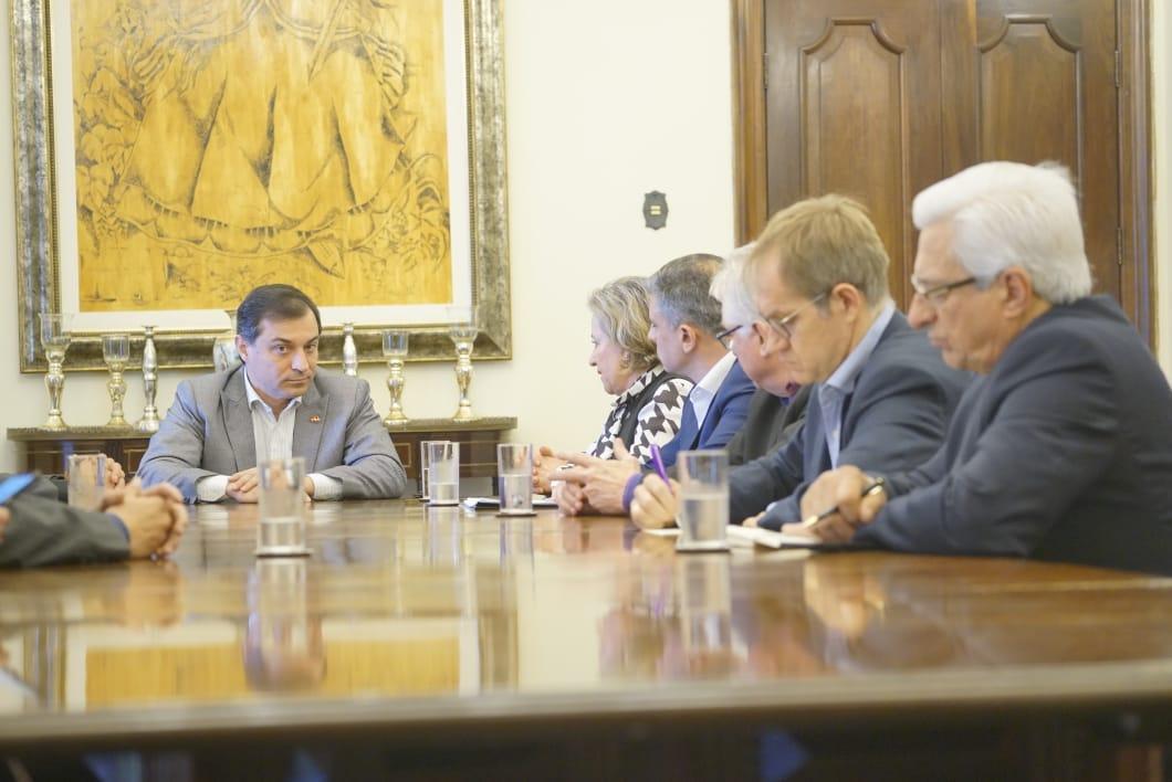 Governador Moisés tem três dias para reverter o aumento de ICMS na alimentação