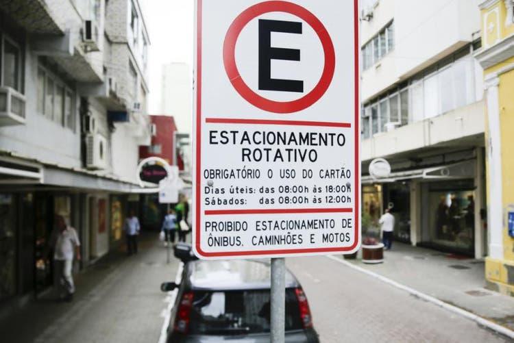 ACIF cobra solução para estacionamento rotativo de Florianópolis